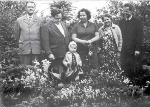 Mazā Krista ar vecākiem Cekulē, Griģeļoņu dārzā